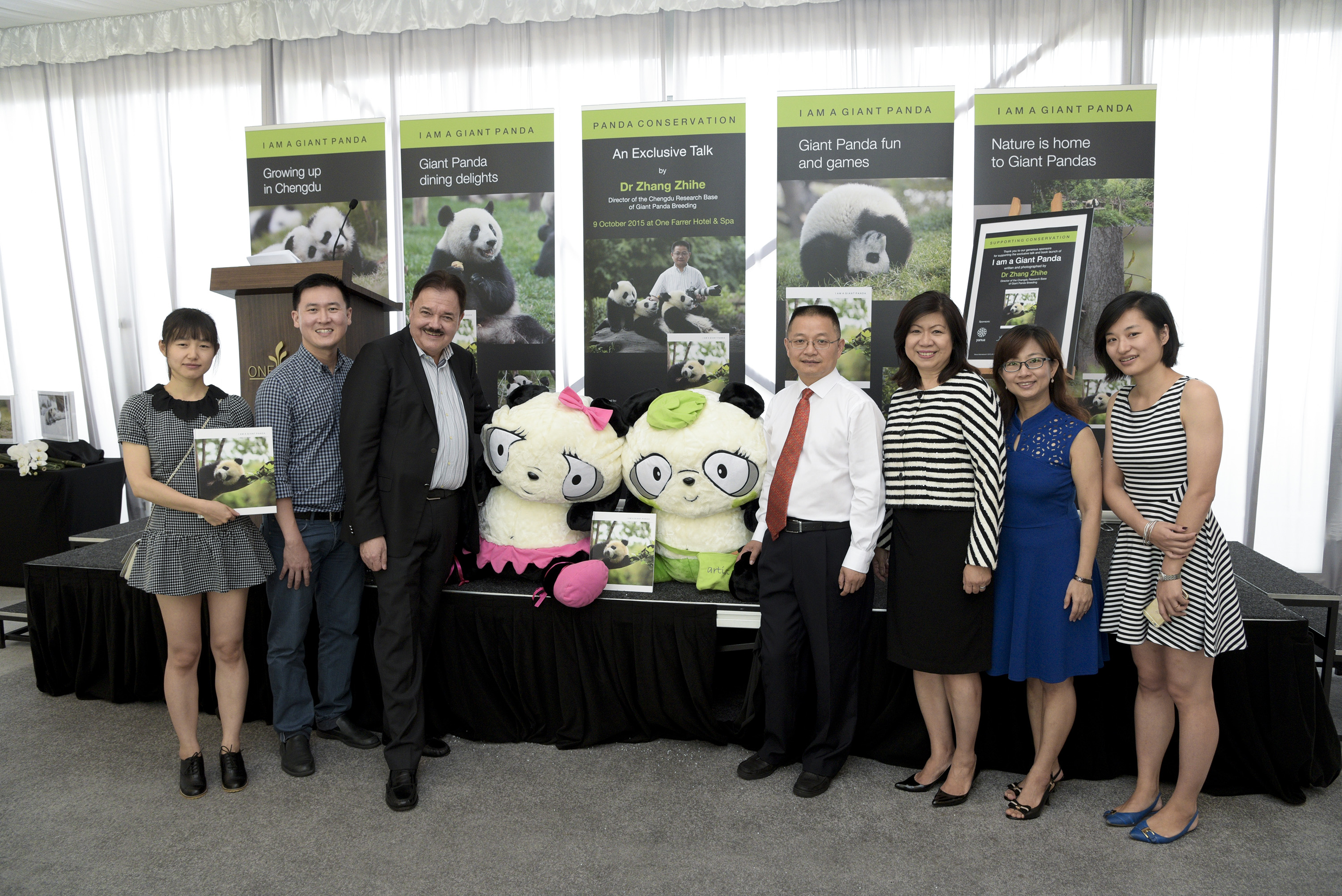 Celebrating The Successful Launch Of Dr Zhangs Book I Am A Giant Panda